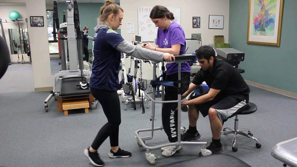 آموزش راه رفتن پس از آسیب نخاعی