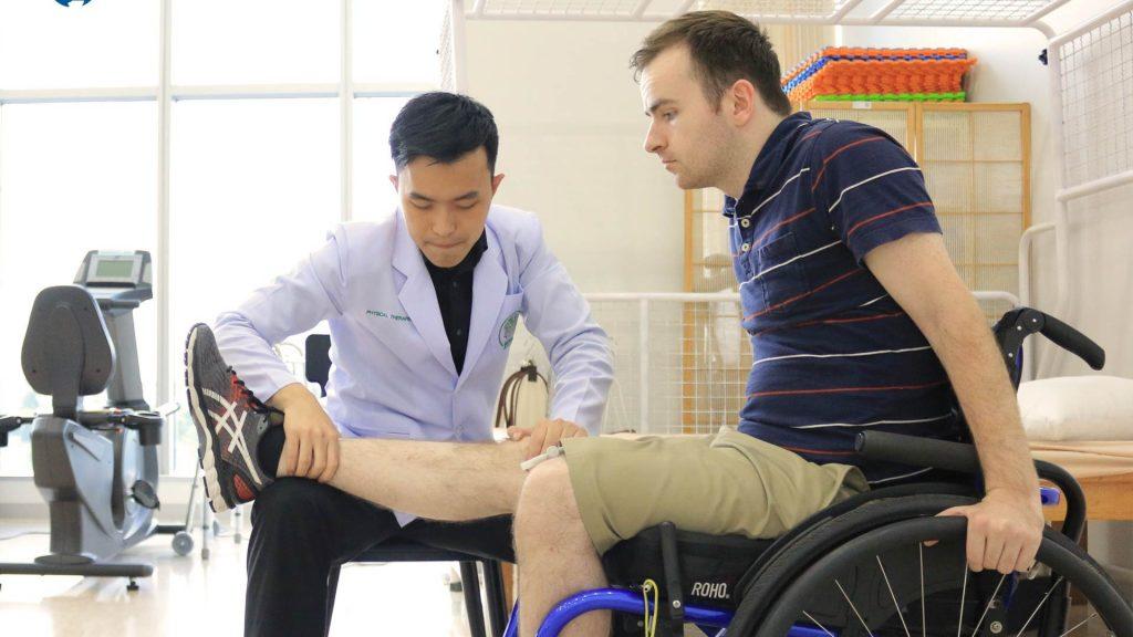 فیزیوتراپی و مراقبت های پزشکی برای آسیب نخاعی