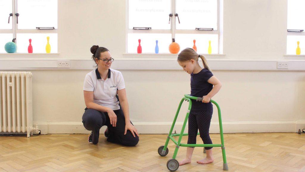 تمرین ورزشی، اختلال در الگوی راه رفتن کودک